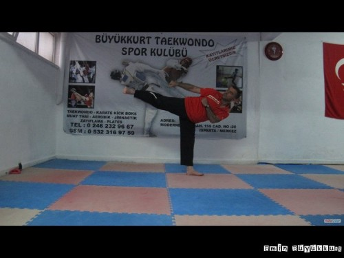 eminbuyukkurttaekwondoIsparta11-Kopya.jpg
