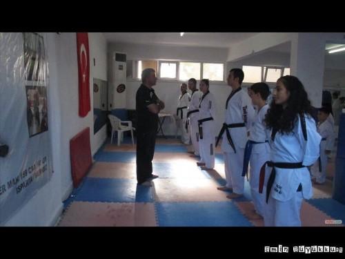 eminbuyukkurttaekwondoIsparta35.jpg